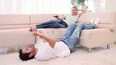 Junges Paar in der Freizeit