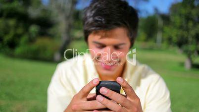 Mann mit dem Handy