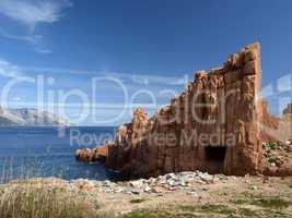 Arbatax mit den bekannten roten Porphyrfelsen, Sardinien