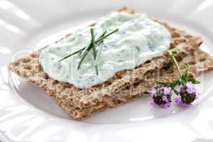 Knäckebrot mit Quark / crispbread with curd