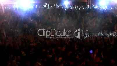 real concert crowd dance