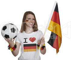 Frau zeigt deutsche Flagge und Fussball