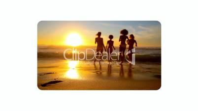 Videos friends enjoying the beach at sunset