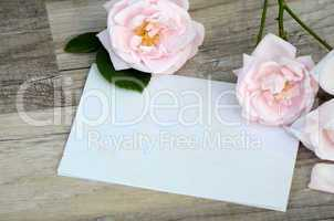 Brief Gutschein mit Rosen
