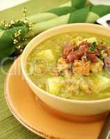 Pea And Ham Soup With Croutons