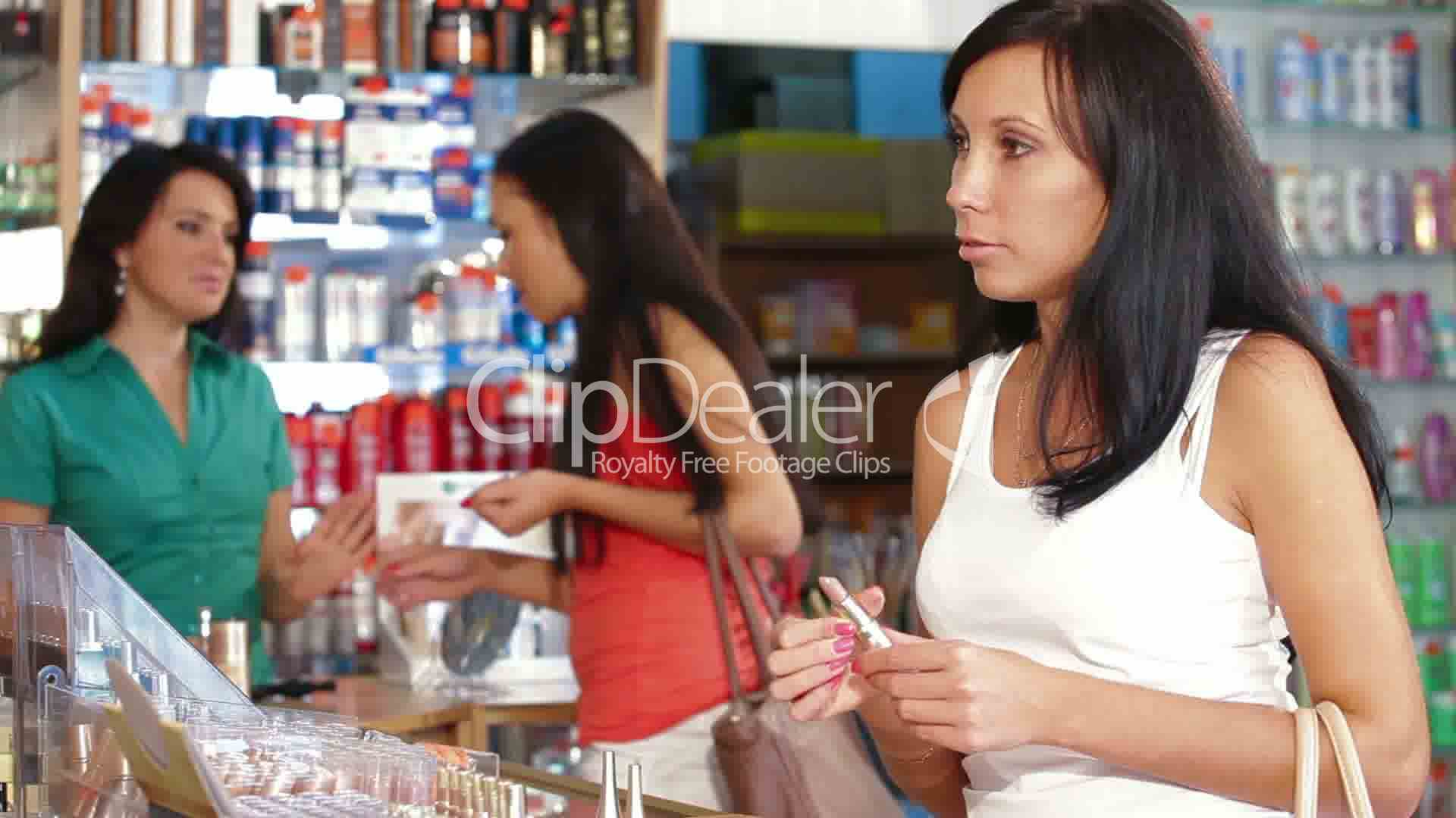 buying behaviour of women consumer in cosmetic category This research is to investigate hong kong's young female consumer buying behavior towards cosmetics in this chapter, the the scope of study will be narrowed to color cosmetics and young generation due to research limitations and many women are wearing cosmetics.