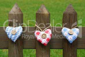 Herzen am Zaun - Herzlich willkommen