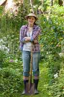 Junge Frau im Garten, Young woman in a garden