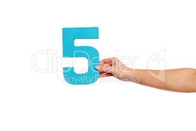 hand holding up the number five from the right