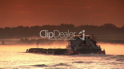 Schubschiff - Frachtschiff