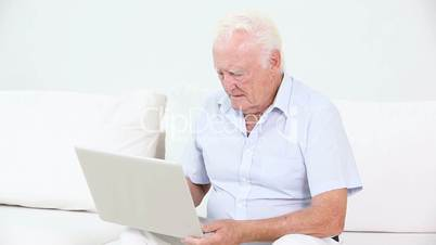 Old suffering a heart attack because of a laptop