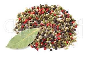 peppercorns with bayleaf