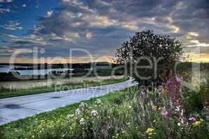 Wroclaw: The road around Lake Mietk