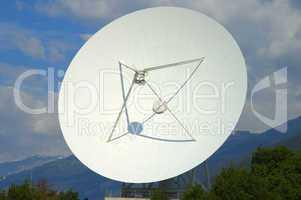 Cassegrain Parabolic antenna, subre