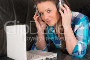woman with earphones