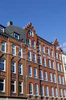 Fassade eines Mehrfamilienhauses in Kiel, Deutschland