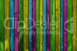 Holzbretter in Grün Gelb Blau und Rosa