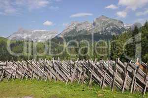 Zaun mit Tennengebirge