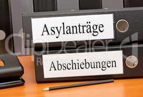 Asylanträge und Abschiebungen