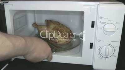 preparation of poultry meat in the microwave oven