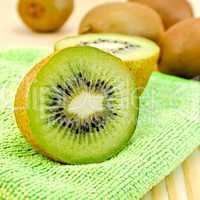 kiwi on a green napkin