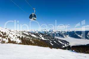 Cable car going to Schmitten