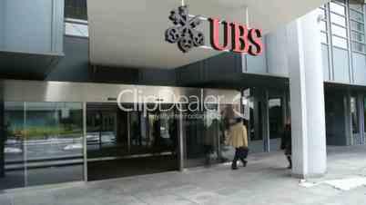 UBS - 4 SHOTS