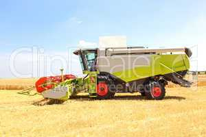 Machine with the grain harvest