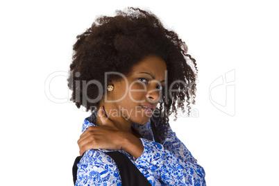 Frau mit verspannter Schulter
