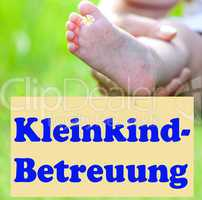 Foot of the child with Shield Toddler care, Kleinkind-Betreuung