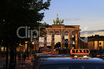 Berlin - Brandenburger Tor with Taxi - Tourism