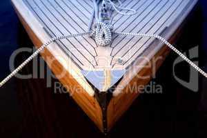 Bug eines Segelbootes
