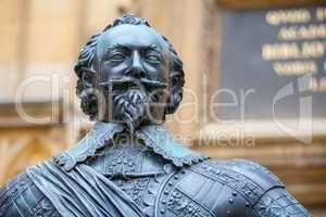 statue of earl of pembroke. oxford, uk