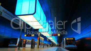 Lichtstimmung im U-Bahnhof