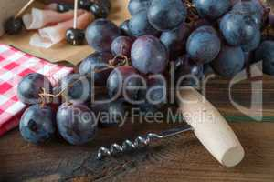 ham to olive bunches of grapes