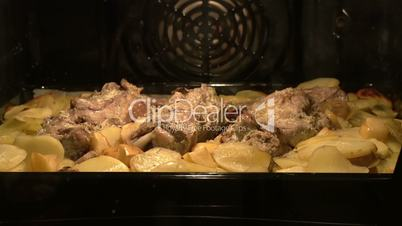 Meat dish in the oven