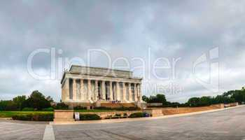 the lincoln memorial in washington, dc in the morning