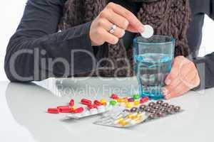 wasserglas und medikamente