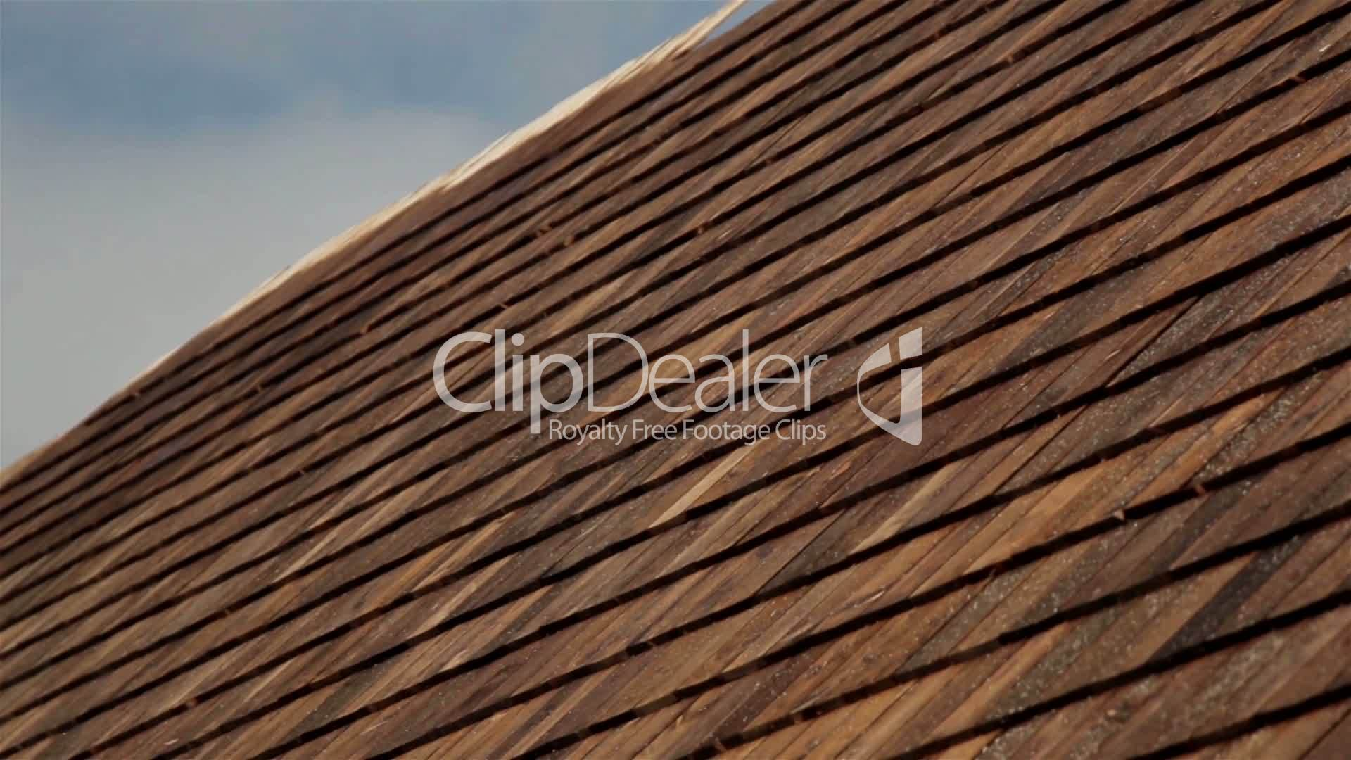 Closer image cedar wooden shingles roof roofing for Roofing tar on shingles