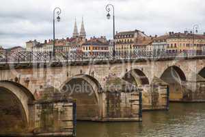 stadtansicht von macon, burgund,frankreich