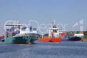Schiffsverkehr auf dem Nord Ostsee Kanal