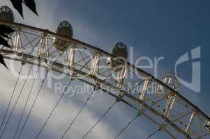 london, riesenrad, attraktion, eye, skyline, themse, wasser, himmel, blau, sehenswürdigkeit, besuchermagnet, touristen, fluss, schiff, städtereise, england, ausflug