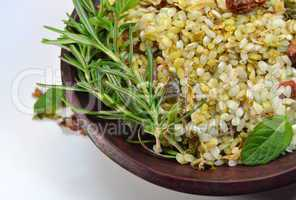 Prepared rice with herbs and curry