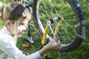 kid who fix bikes