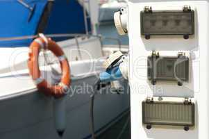 power connector for yachts