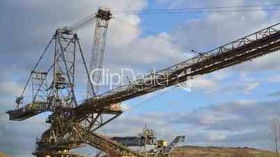 giant strip mining excavator time lapse 11282