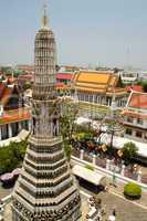 Wat Arun, Überblick, Panorama, Bangkok, Tempel, chao Praya, Phraya, Türme, Dächer, Spitzen, Wimpel, bunt, Fahnen, Fähnchen, geschmückt, asiatisch, buddhismus, hoch, oben, sehenswürdigkeit, beliebt, tourismus, südostasien, thailand, wat, Stadt, architektur