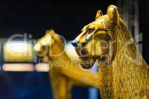 golden lion sculpture