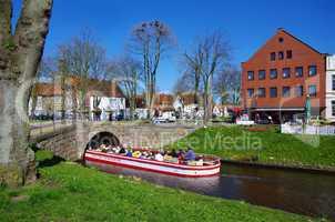 Schifffahrt Ausflug auf den Kanälen im historischen Friedrichstadt