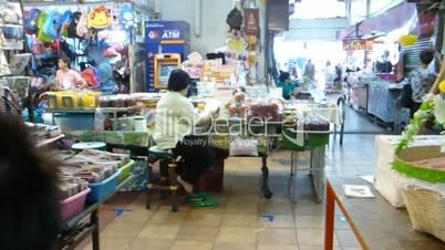 Warorot Market or Kad Luang Chiangmai, Thailand.(CM--27b)